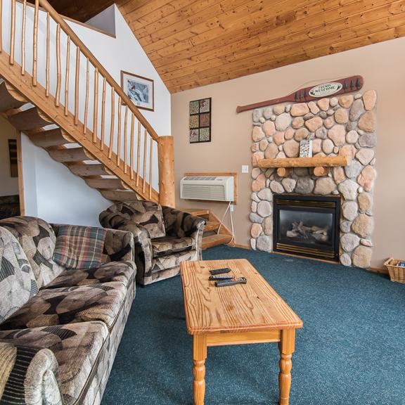 Pinewood Lodge Resort Chalet Four Photo